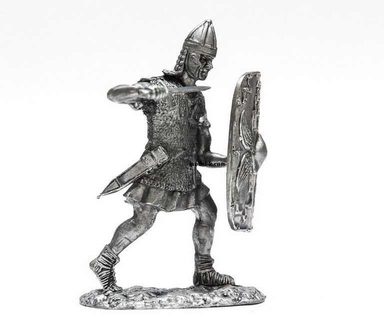 1:32 Scale Metal Miniature of Roman Legionare of Republican Army